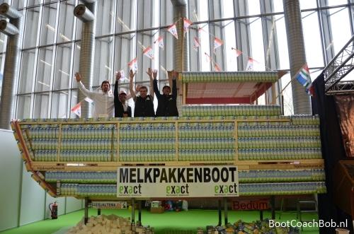 Melkpakkenboot en haar crew